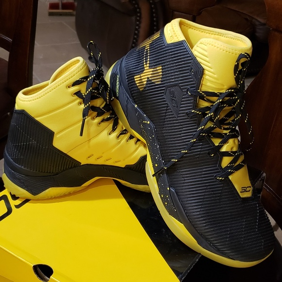 sports shoes 014fa 68c71 Under Armour/Steph Curry Shoes   New Under Armour Steph Curry 25 ...